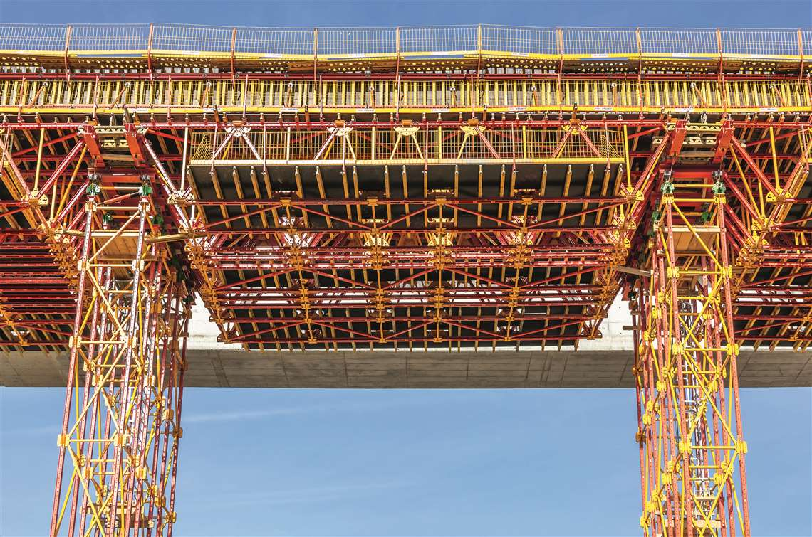 Peri formwork on the Čortanovci Viaduct